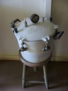 vintage-pressure-cooker